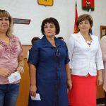В Ростовском районе вновь избранным депутатам муниципальных советов вручили удостоверения