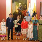 Семья Огневых из Ростова получила медаль «За верность родительскому долгу»